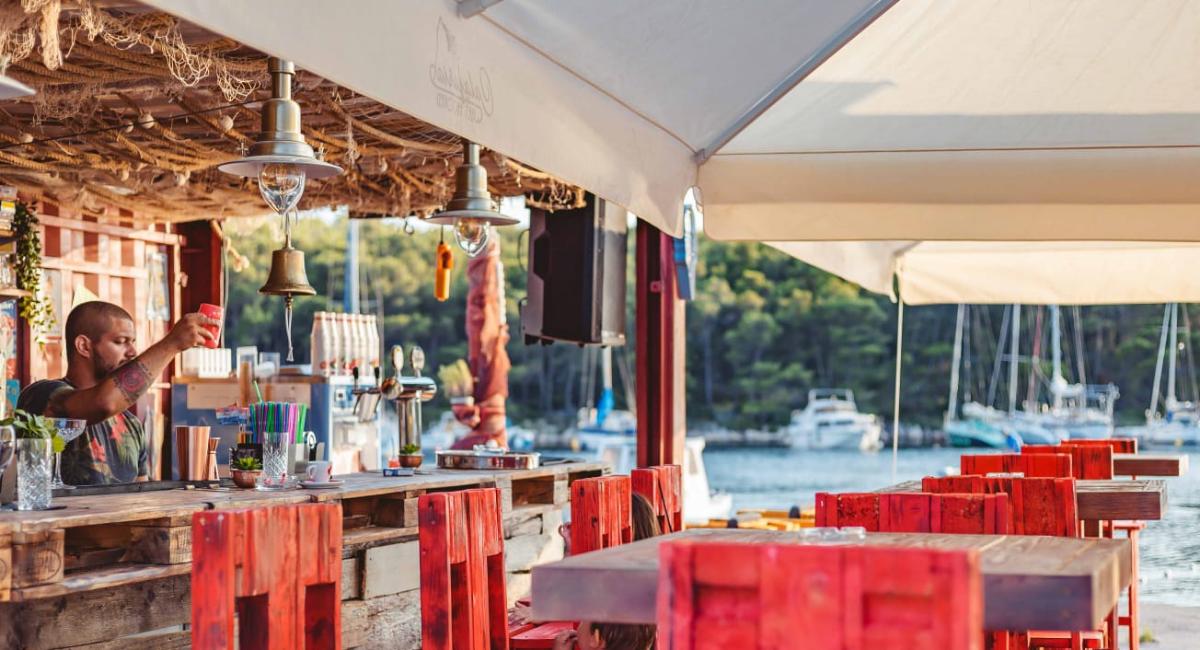 beach-bar-calafuria-sovlja
